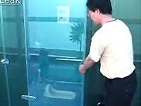 透けてるトイレドア