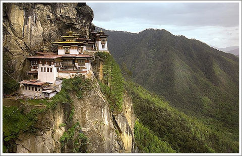 house on the cliff-2