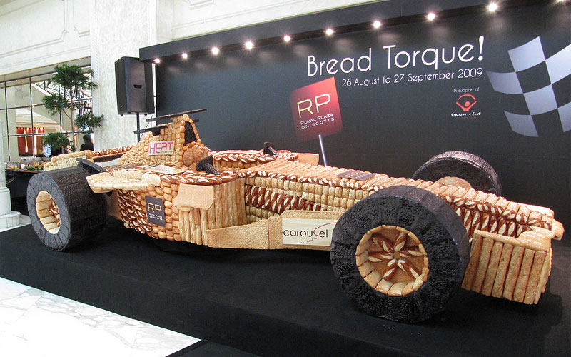 パンで作ったF1マシン-1